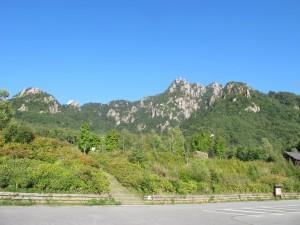 自然公園からの瑞牆山